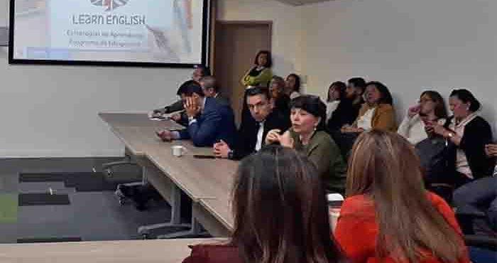 Programa de bilingüismo del sector público logró 3.220 inscritos en 2020