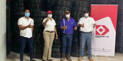 Drummond Ltd. entrega rollos de manguera a la administración de La Jagua de Ibirico, Cesar